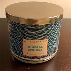 Bath & Body Works Candle Mineral Springs